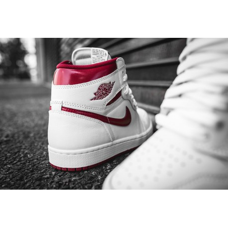 New Sale Air Jordan 1 OG High Metallic Red 555088-10 66c86b2bbb