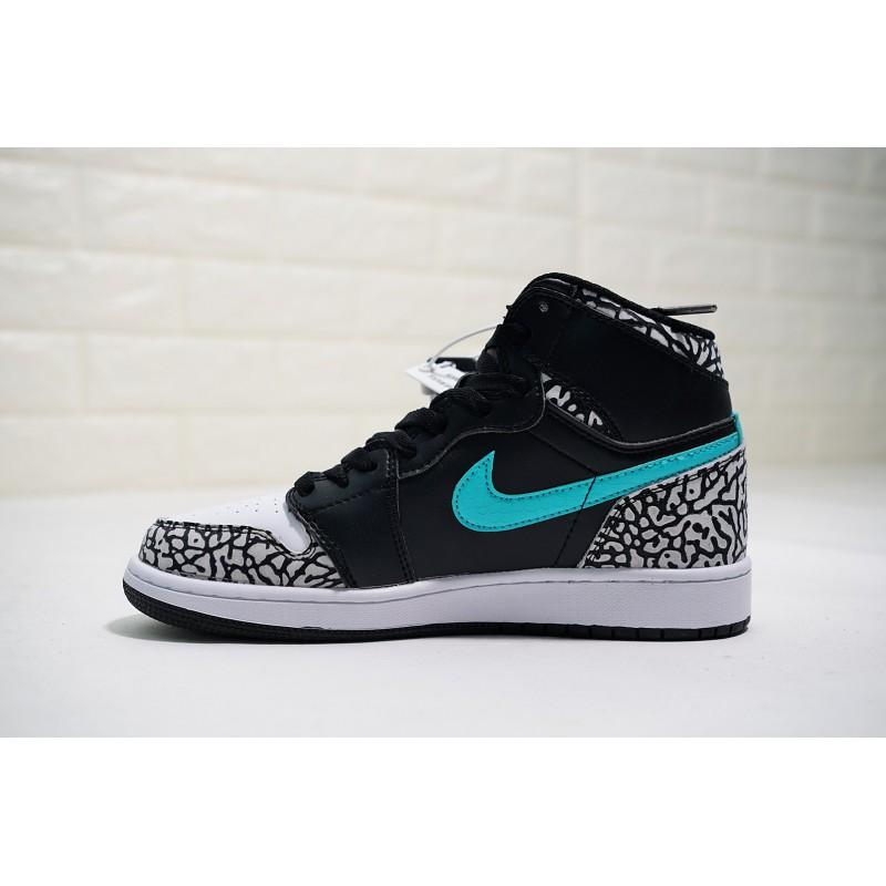 d8714fec30e599 ... Mens Title Sneakers Surgeon Bespoke Masters Theshoesurgeon X Atmos X Air  Jordan 1 Classic High All