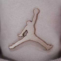 Womens-Air-Jordan-3-Particle-Beige-Air-Jordan-3-Stealth-Real-VS-Fake-AH7859-205-Air-Jordan-3-SE-Particle-Beige