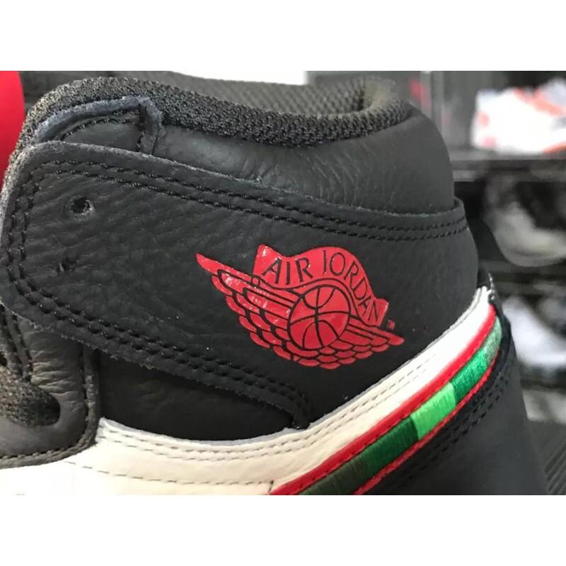 4a373ecb280225 ... 555088-015 Air Jordan 1 Retro High OG Sports Illustrate