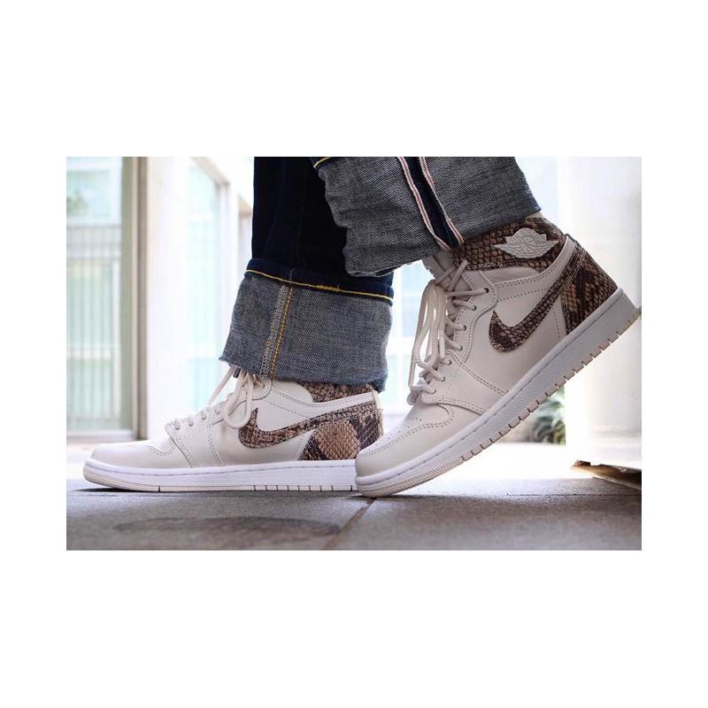 quality design 401d0 7b1b1 Air Jordan 1 Off White Fake VS Real,Nike Air Jordan 1 MID ...