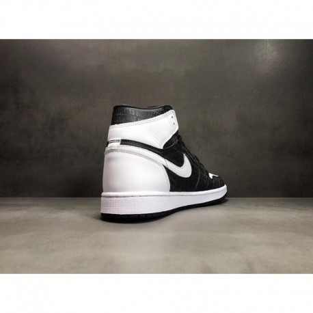Nike Air Jordan 1 Retro High White Black Pure Platinum Air Jordan