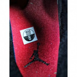 Nike-Air-Jordan-1-Bred-Banned-Air-Jordan-1-MID-Banned-554724-054-Nike-Air-Jordan-1-Mid-Bred-Small-BANNED